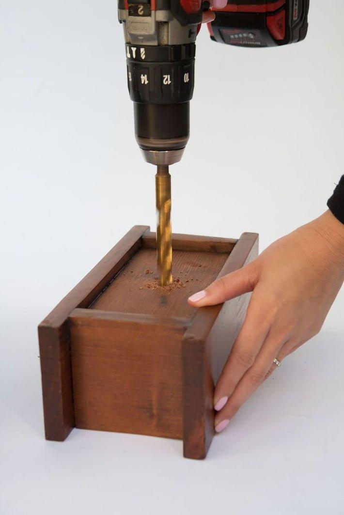 Góc DIY: Tự tạo chậu cây xương rồng cảnh bằng gỗ cực đơn giản