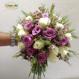 Bó hoa cầm tay cô dâu Lãng mạn