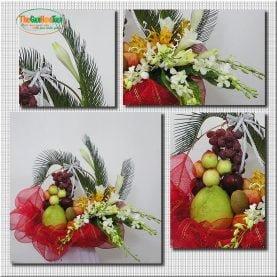 Giỏ hoa và trái cây tươi