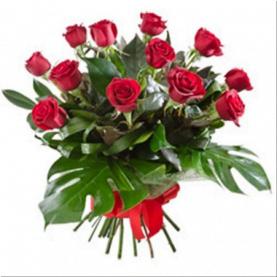 Hoa tươi Australia-01 12 Long Stem Roses Gift Presentation