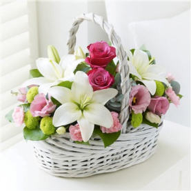 Hoa tươi UK-07 Beautiful Basket - Pink and White