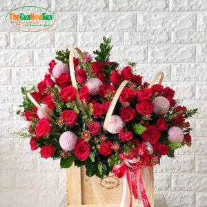 Giỏ hoa hồng đỏ - Trót yêu